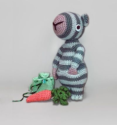 Stripey with backpack amigurumi pattern by Anastasiya Matyakh