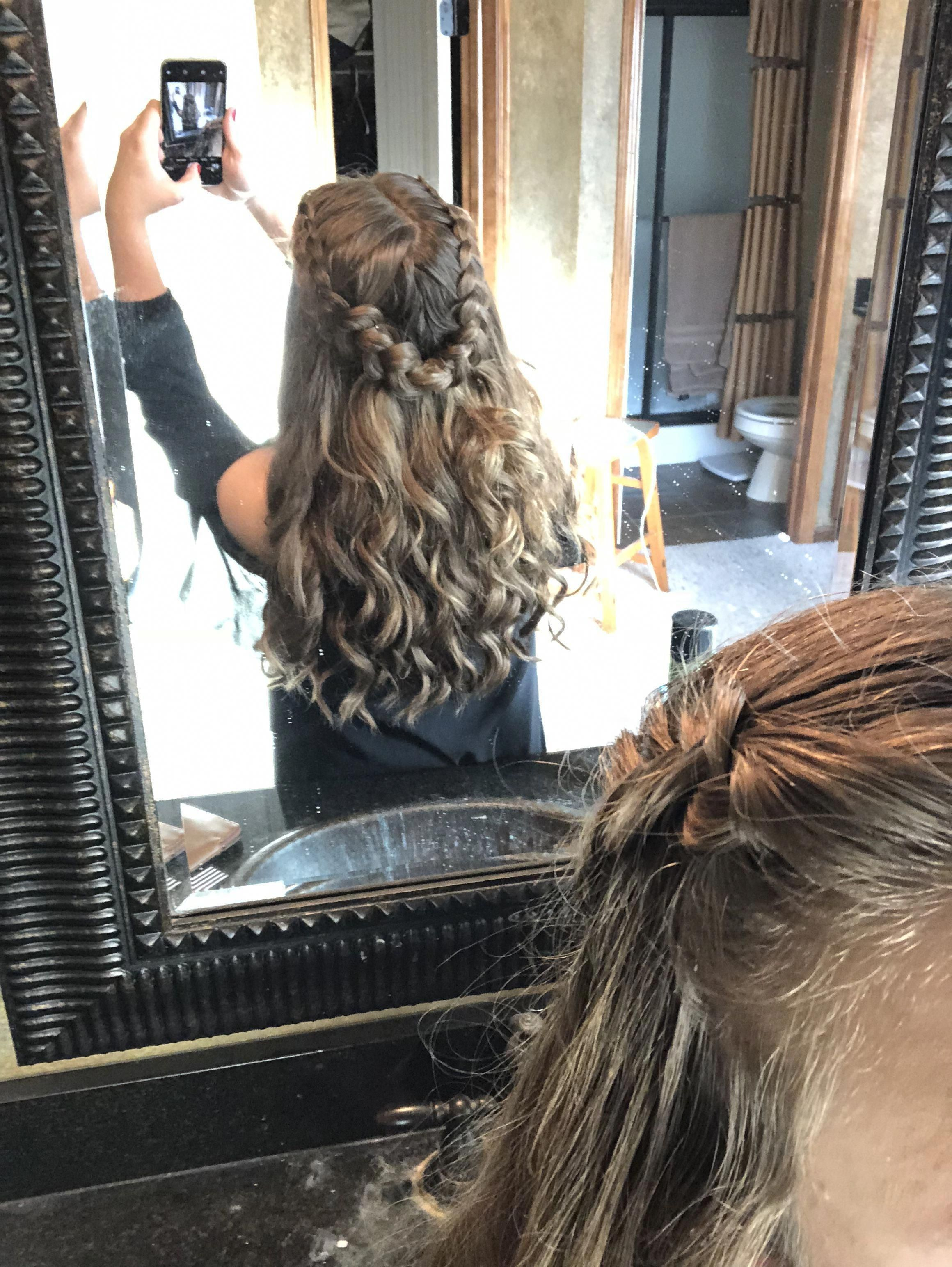 Homecoming High School Dance Hairstyles Braided Curly Wedding Hairstyles For School Curly Heat In 2020 Dance Hairstyles Homecoming Hairstyles High School Hairstyles