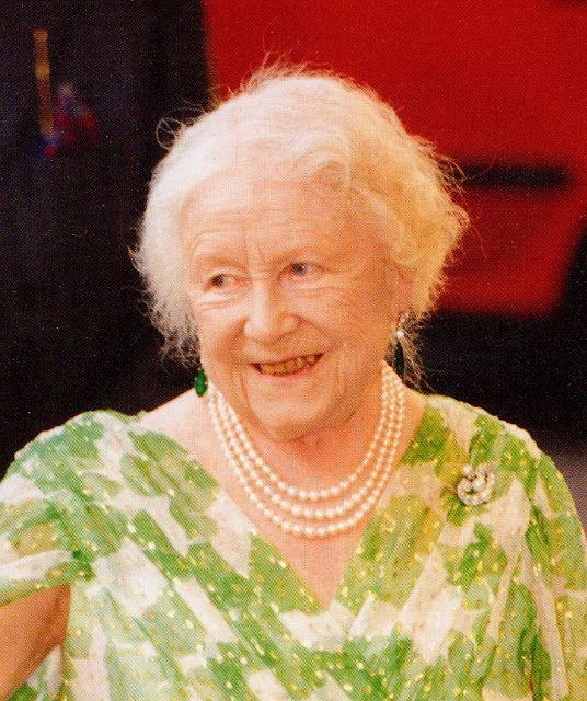 Royaltyandpomp Queen Mum Queen Elizabeth Queen Mom