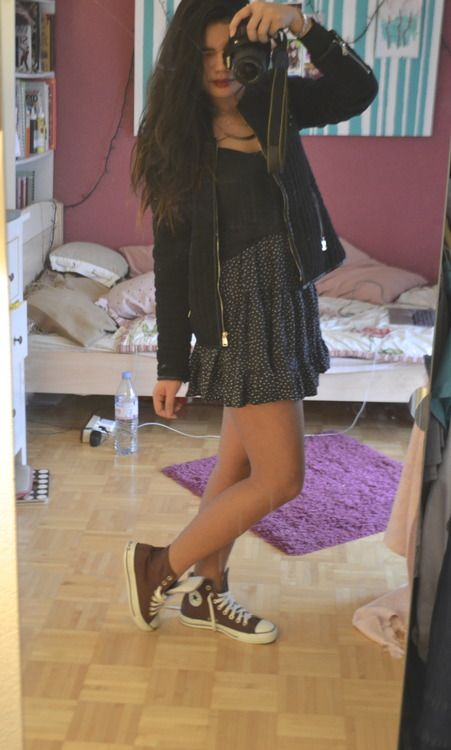 1aef807dd76e Tumblr Outfits with Black Converses