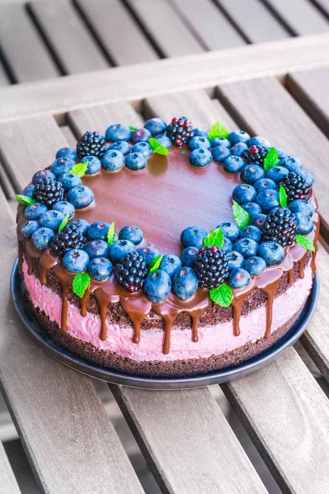 Brombær og chokoladelagkage fra Bageglad
