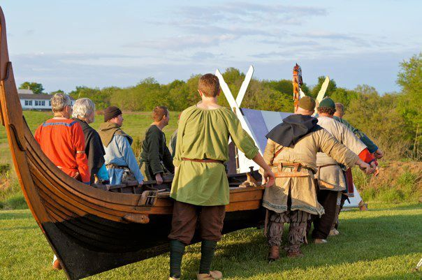 Norseman Moving The Yrsa At Ravensborg Wikinger Moin