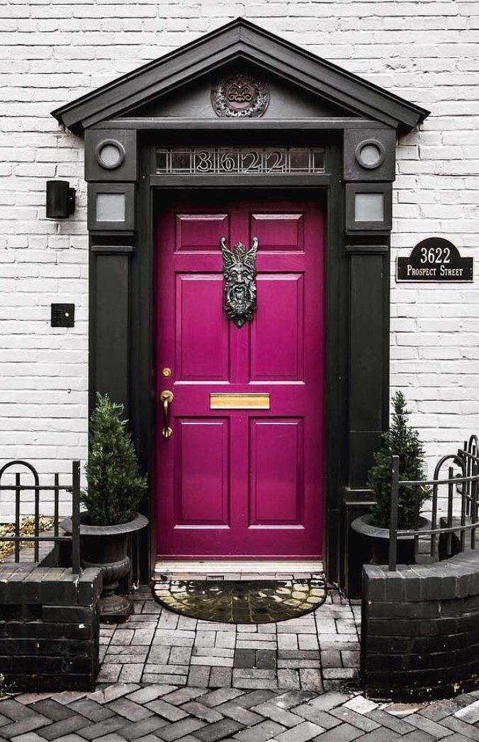 """Georgetown, Washington, D.C.. """"Lovr the colors"""" never would have thought there was such door."""