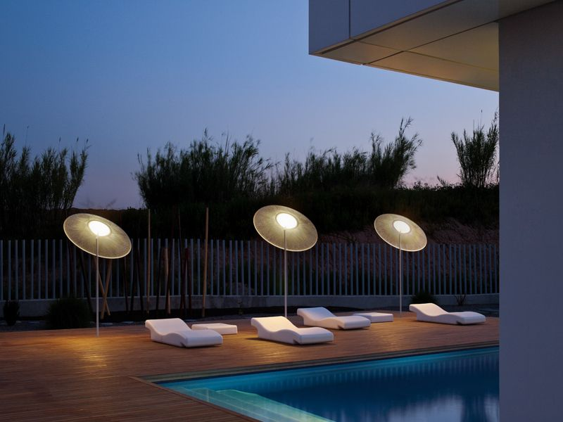 Methacrylate low voltage floor lamp wind wind collection by vibia