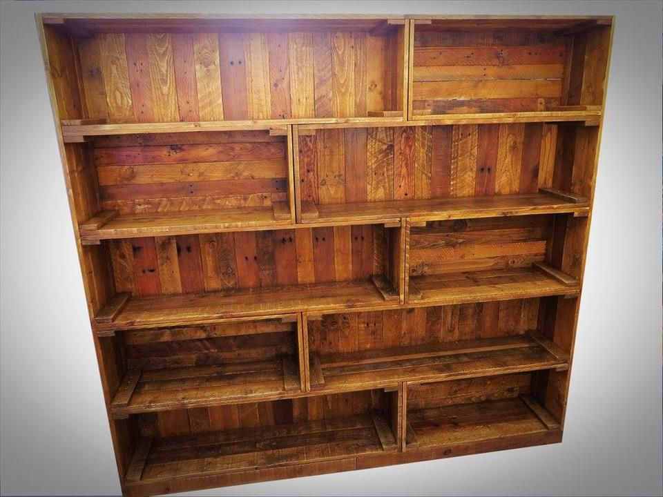 Antique pallet bookcase built in crate style pallet for Reclaimed wood bookcase diy