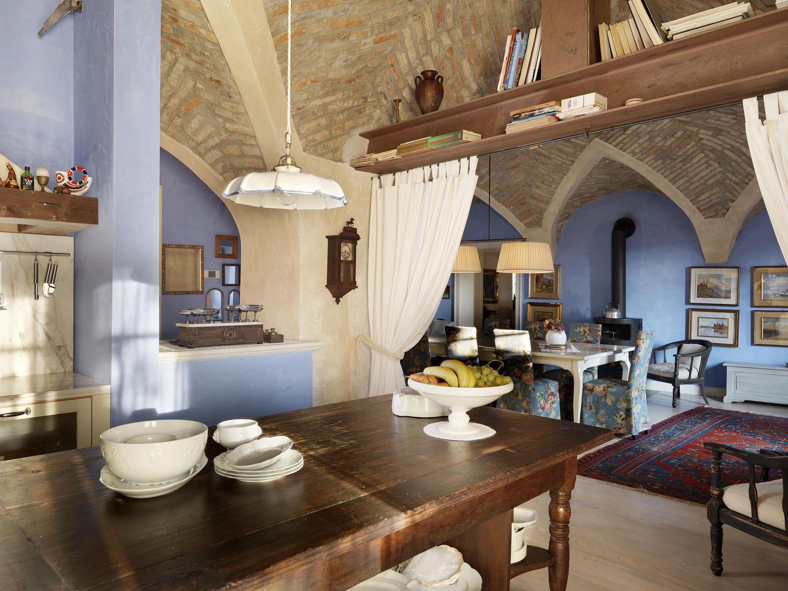 Arredamento antico di campagna casa di campagna arredo for Casa interni