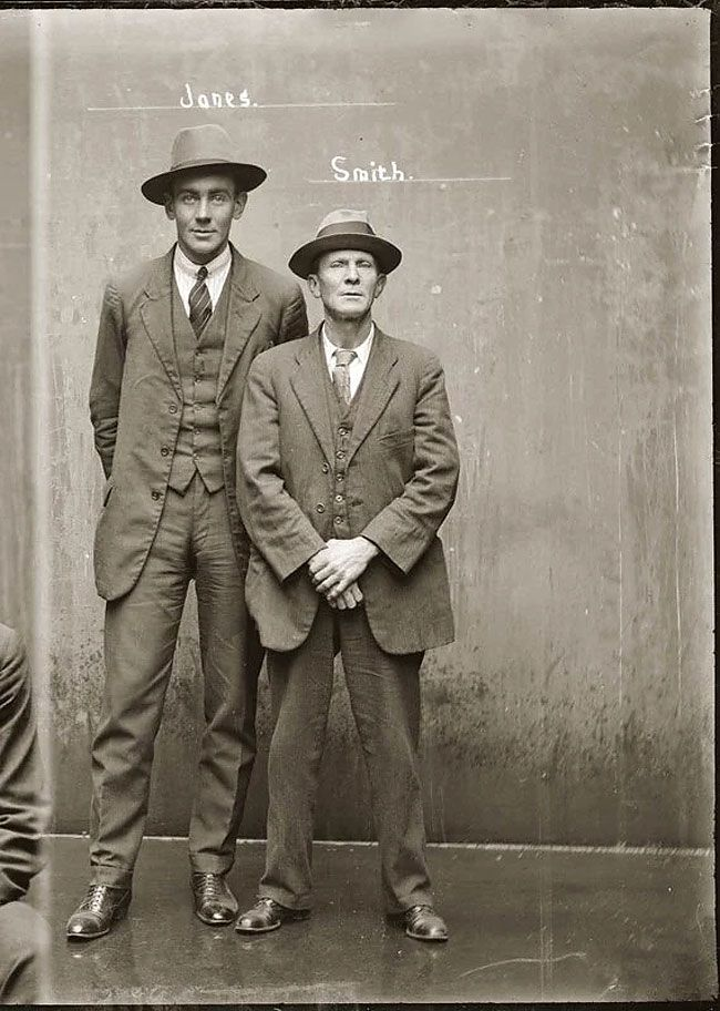 1920s Fashion Through The Lens Of Police Mugshots Mug Shots City Of Shadows Vintage Photos