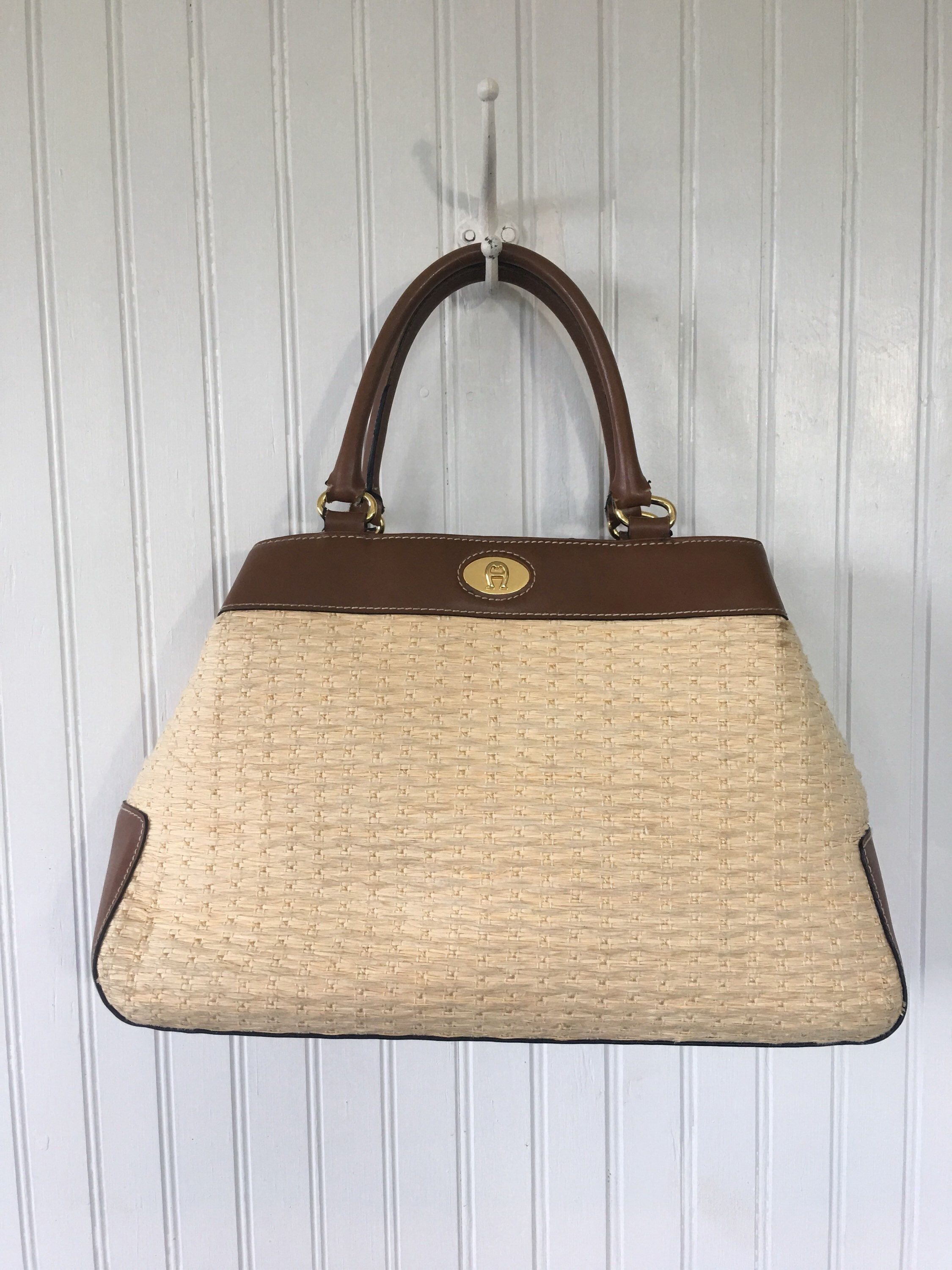 82750c64fc9 Pin by Grit and Glam on Grit and Glam Vintage   Leather weaving, Bags,  Basket bag