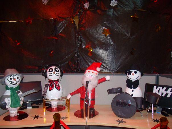 Christmas Decor Ideas   Glam Rock Theme Kiss Band With Santa As Lead Singer