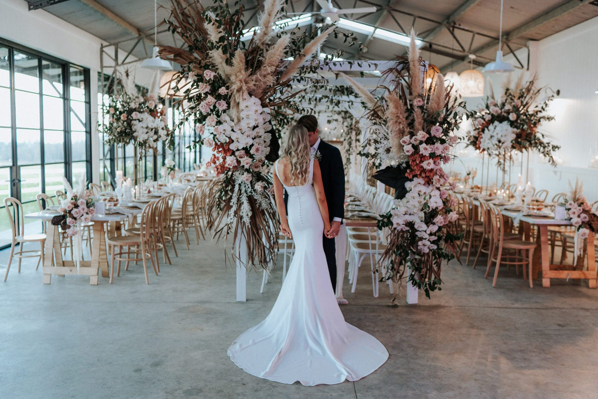 Seacliff House Gerringong Wedding Gemaya Tim The Evoke Company In 2020 Wedding Wedding Modern Wedding Colors