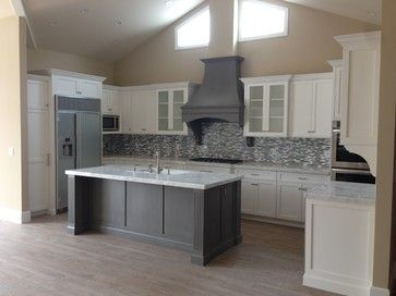 Shaker White Kitchen Fluted Grey Island Beach Style Kitchen