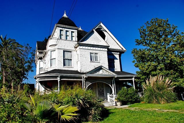 Photos The Real Haunted Houses Of Los Angeles Real Haunted Houses Haunted House Scary Ghost Pictures
