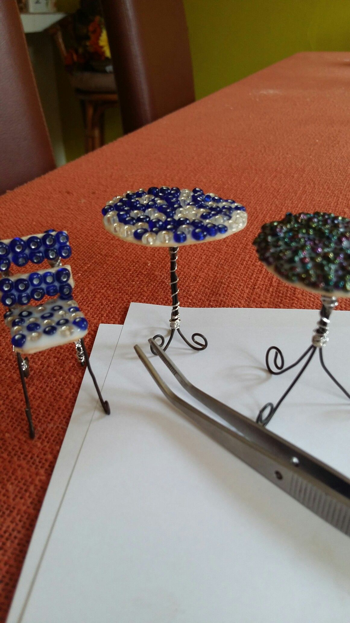 Elaborando los muebles de jardín de hadas | Jardines mini ...
