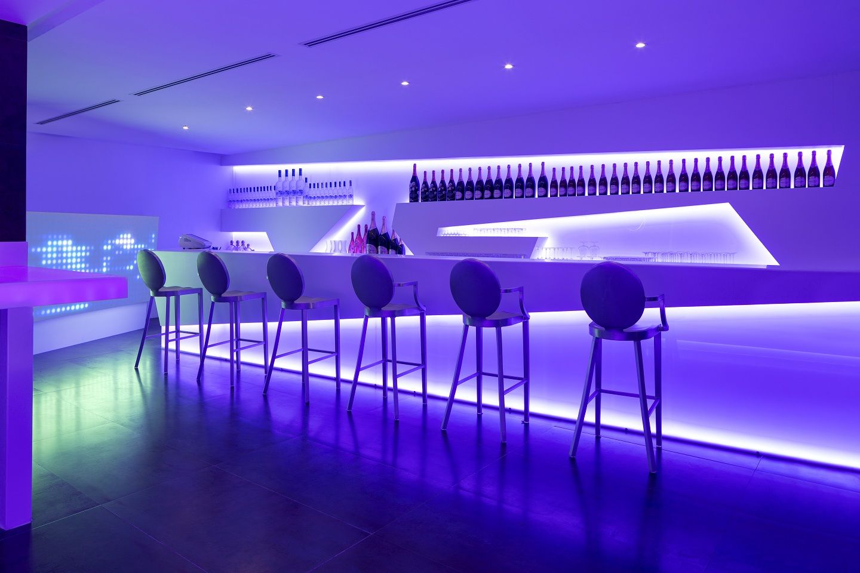 Diseno By U Design En Discoteca Mask Krion Translucido Bar Design Nightclub Design Bar Interior Design