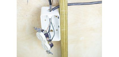 how to wire electrical outlets in series home is where. Black Bedroom Furniture Sets. Home Design Ideas