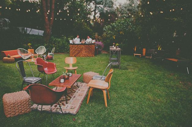 Bar Dans Le Jardin Eclectic Outdoor Seating Arrangements Back Yard PartyLounge