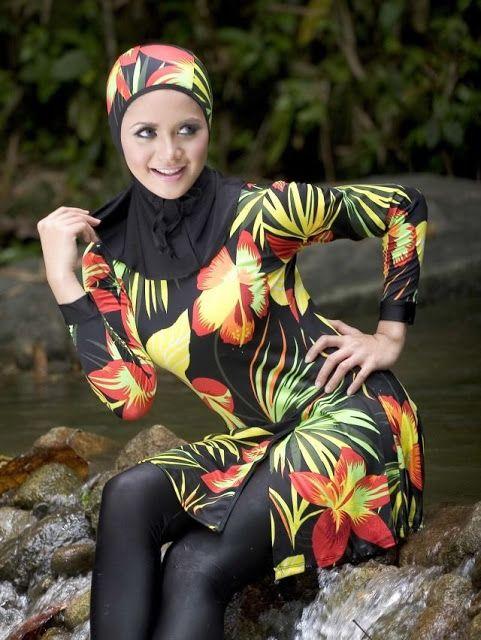 Seafanny Modest Maillot de Bain Femme Semi Musulman Short Maillots de Bain Surf Maillot Burkini