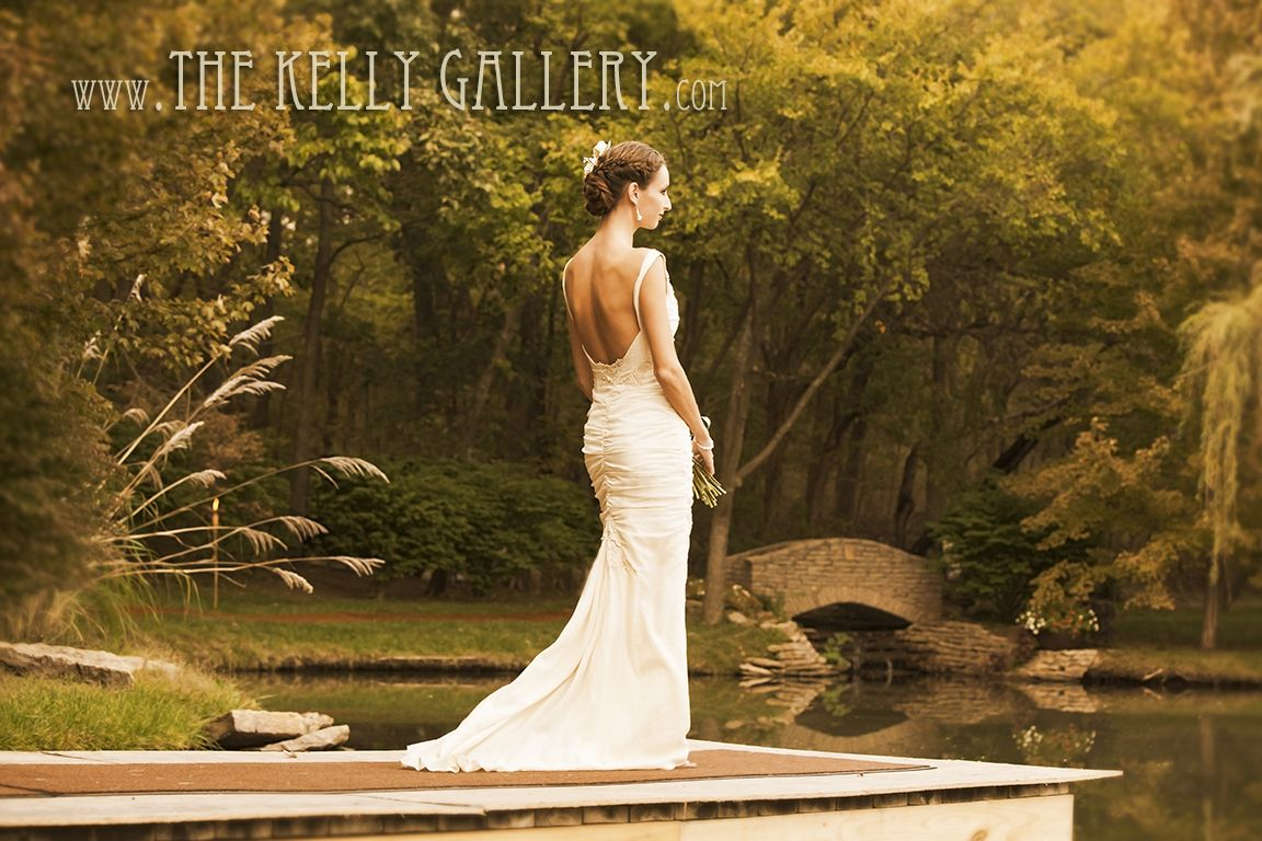 Bride at The Kelly Gallery gardens, Overland Park Kansas. Outdoor ...