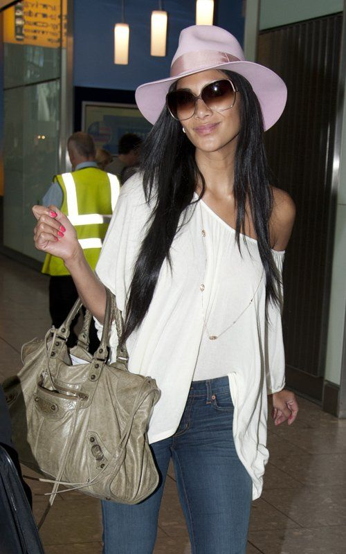 to wear - Balenciaga and Celebrities bags video