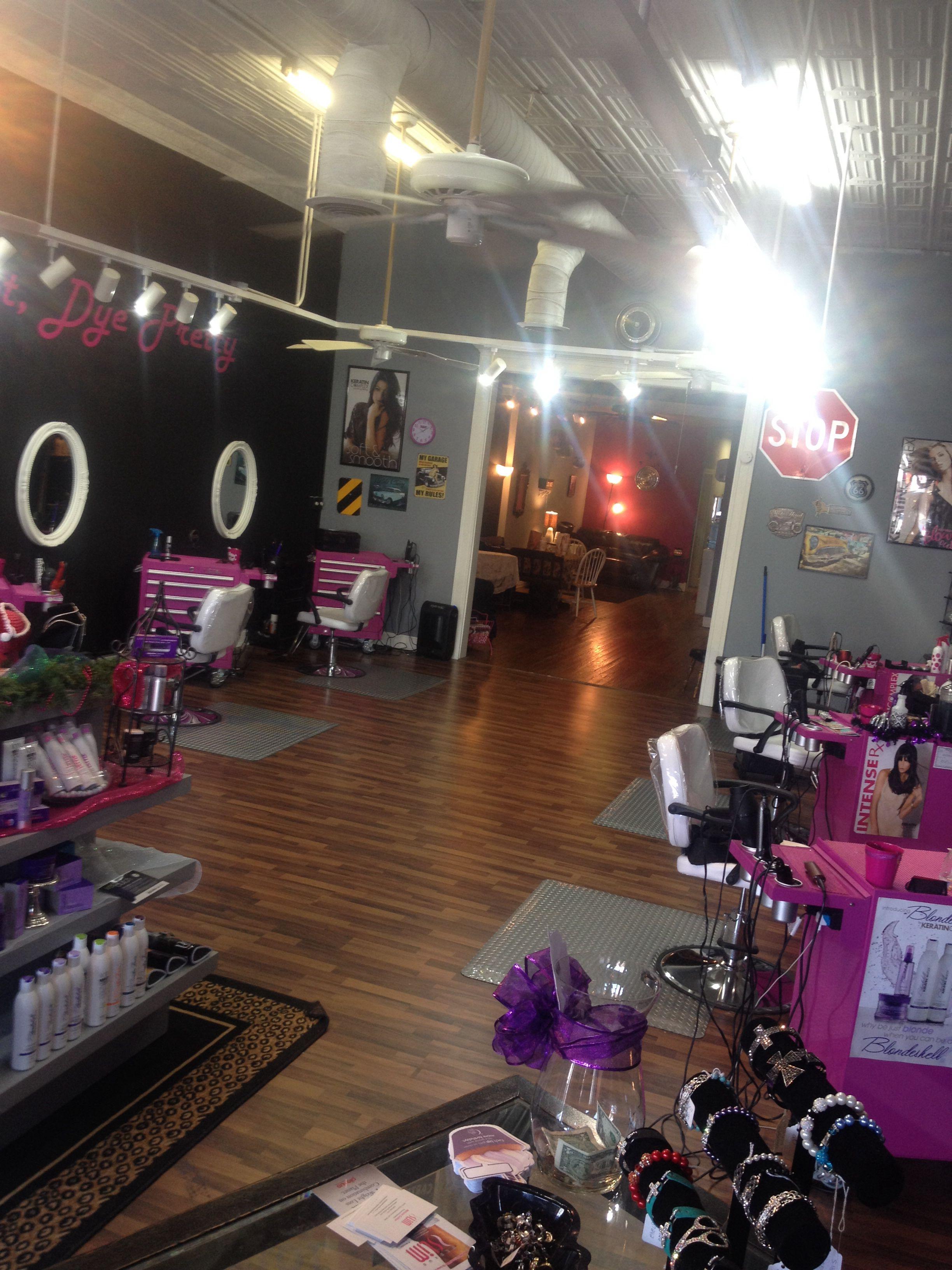 Kadillac barbies salon retro salon the original pink box pink tool box route 66 salon - Salon original ...