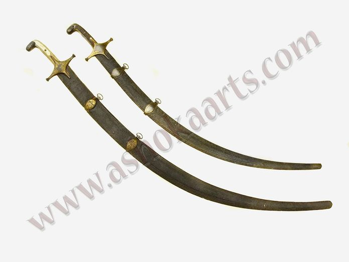 Fine Persian Shamshir sword with goldwork and Wootz blade