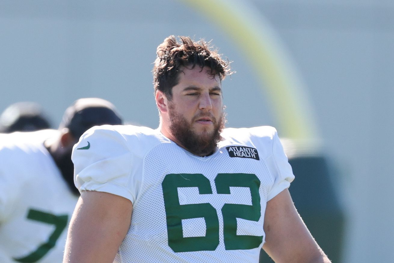 Jets Injury Report Greg Van Roten Suffers Oblique Injury Leveon Bell Limited In Practice With Hamstring Tightness Nfl In 2020 Nfl News Injury Report Swollen Knee