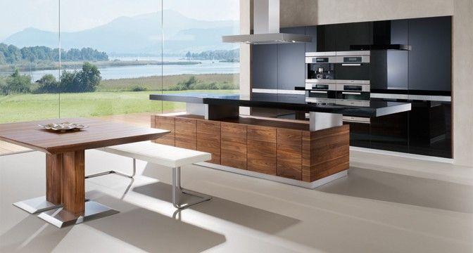 Die Designküche k7 von TEAM 7 mit höhenverstellbarer Arbeitsplatte