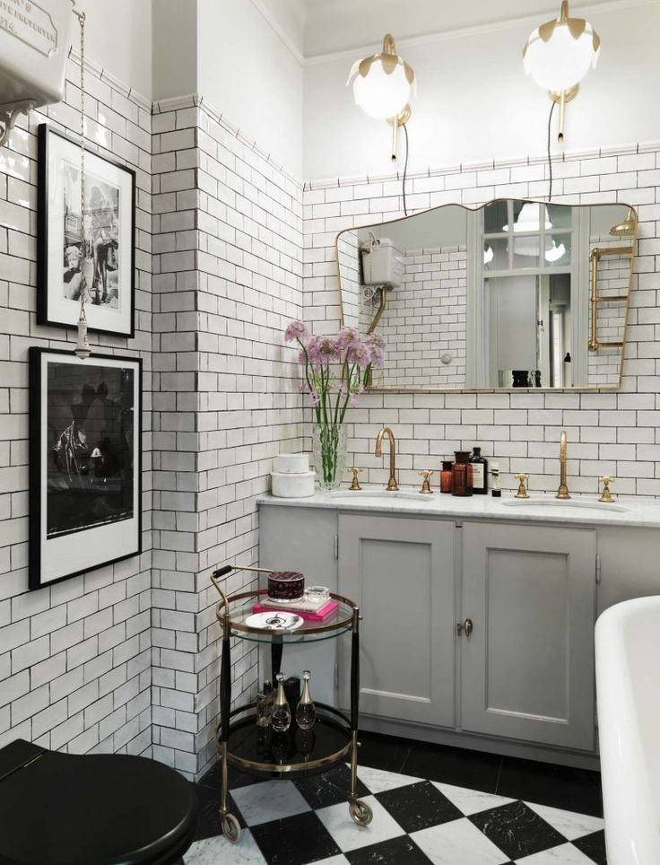 Gravity Home: Vintage Inspired Bathroom In An Elegant And Colourful ...