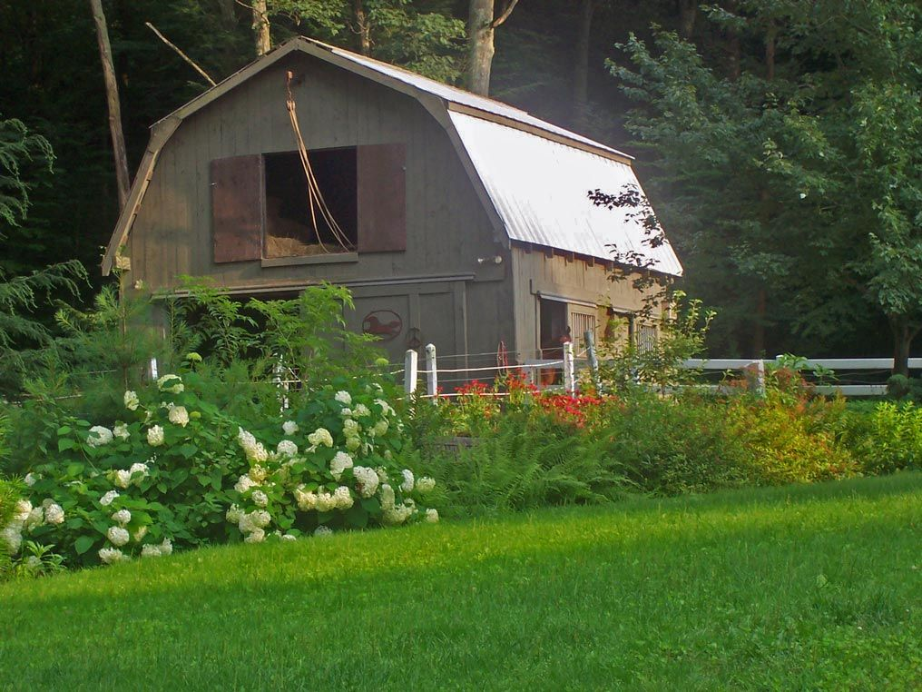 Small farm in the Worcester Hills (MA) Home landscaping