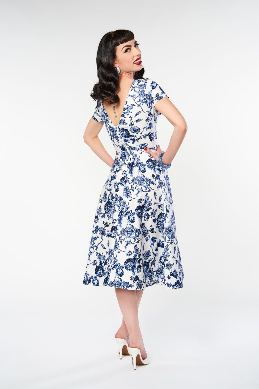 1fa61865c40c Maria Toile Floral Print Swing Dress by Collectif | Clothes ...
