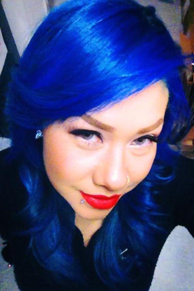 Loving my blue hair!!