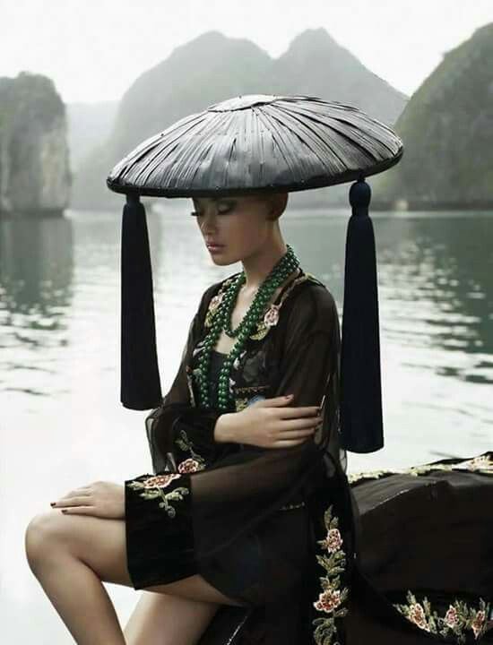 Beautiful girl Japan hat kasa kimono Asia