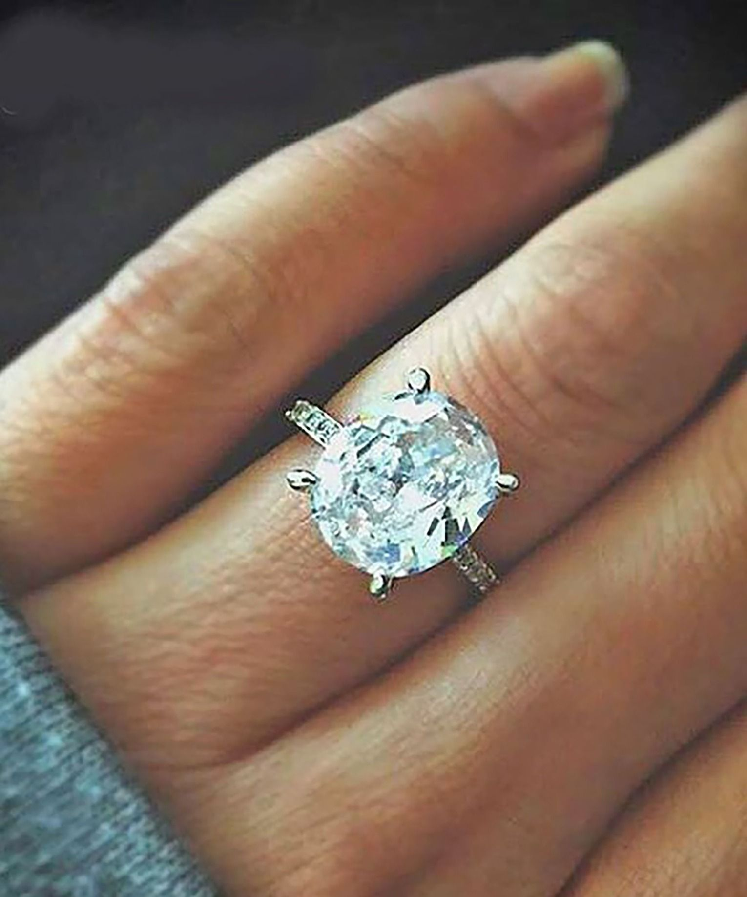 26 Engagement Rings You ll Want To Wear Forever   Anéis, Moda ... 1f45482e7c