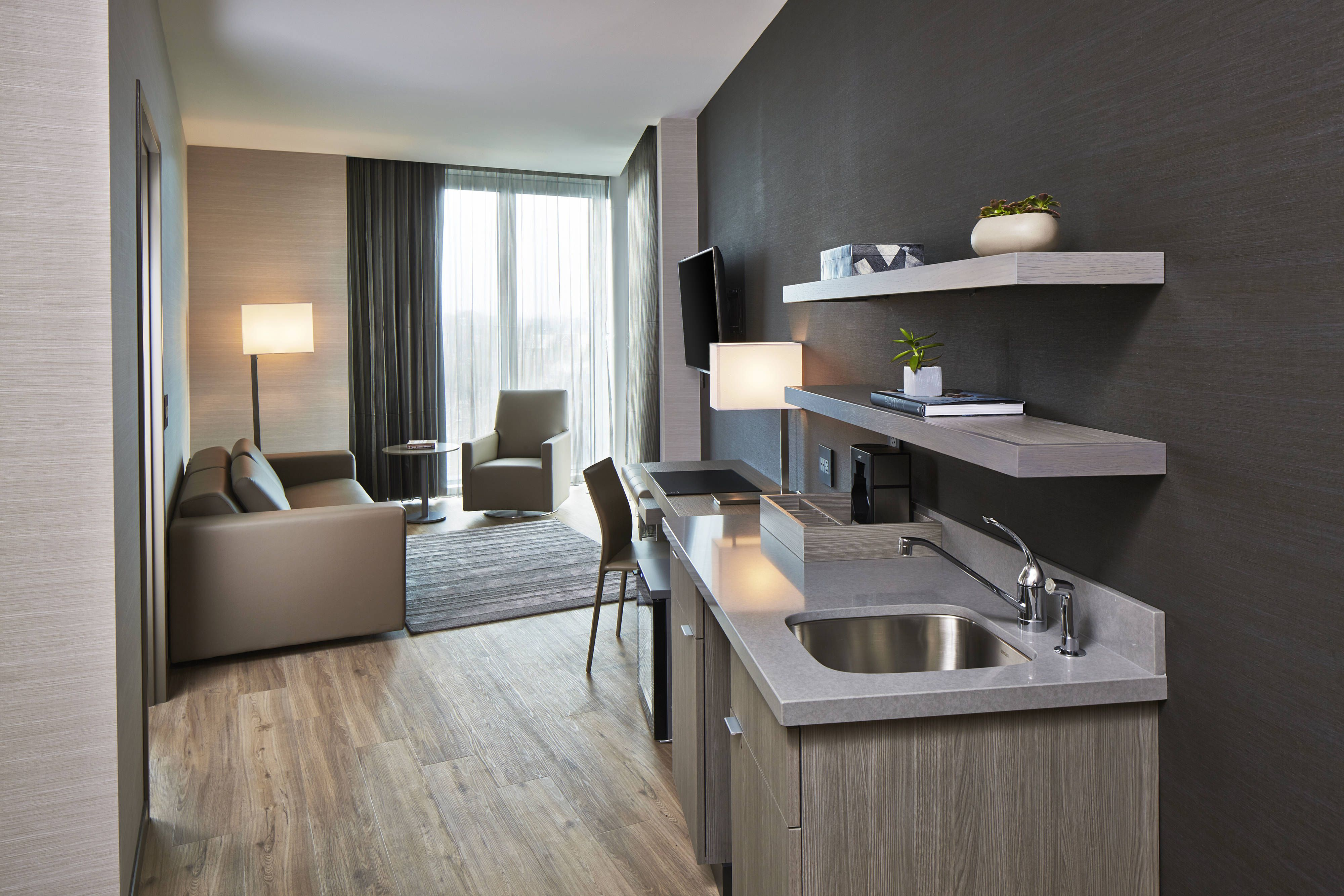 AC Hotel Columbus Dublin One Bedroom Suite Seating Area