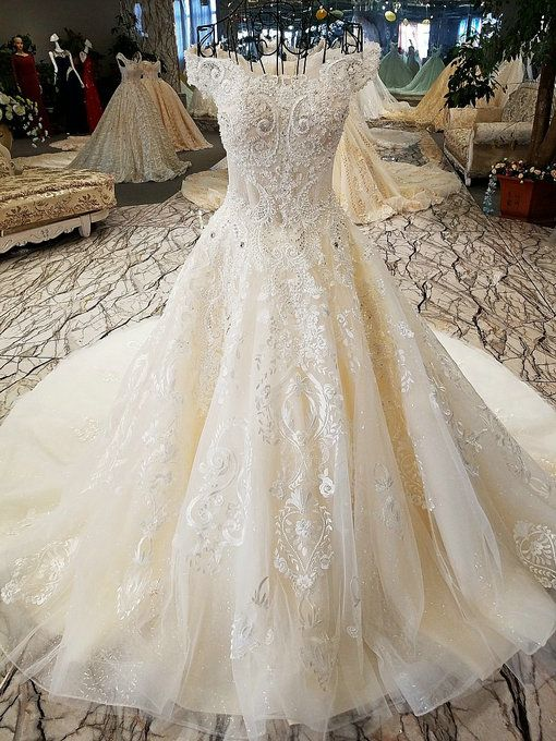 Haute Couture Lace Ball Gown Wedding Gown Online | Pinterest | Lace ...