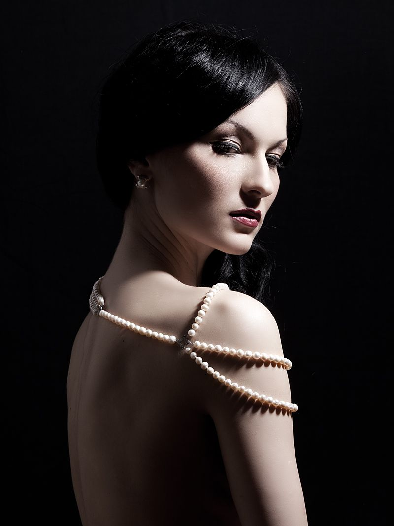 The Diva Pearl necklace  https://www.etsy.com/listing/79291806/diva-pearl-necklace?ref=shop_home_active