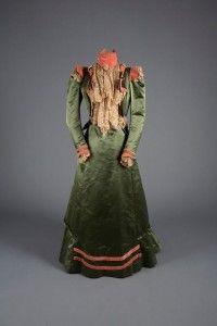Walking dress, Green satin, pink velvet and lace, 1900
