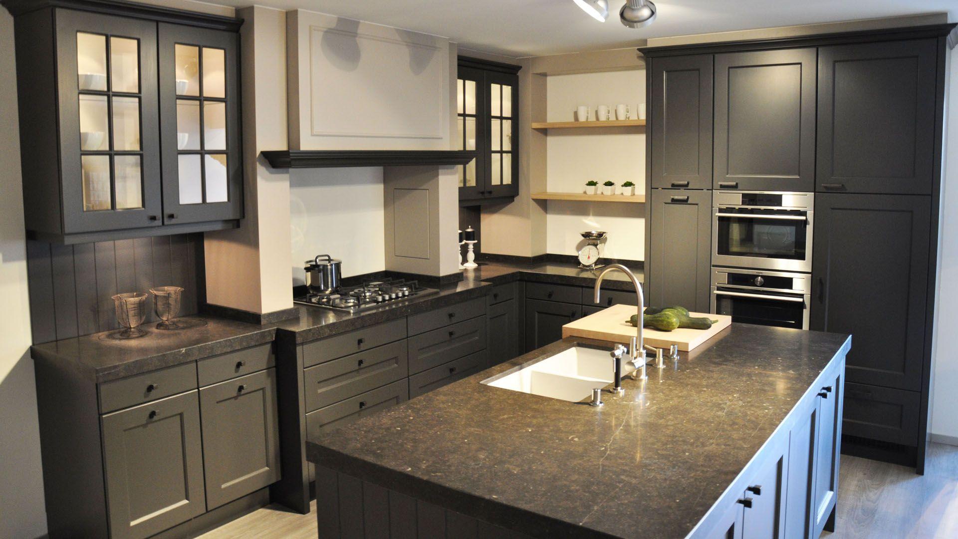 Landelijke keukens google zoeken kitchen pinterest kitchens - Keuken geesten campagne ...