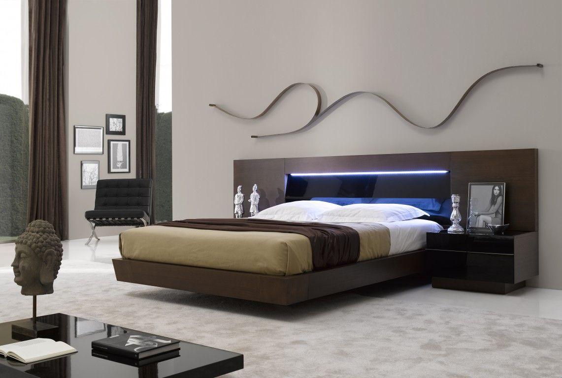 modern queen size platform bed in