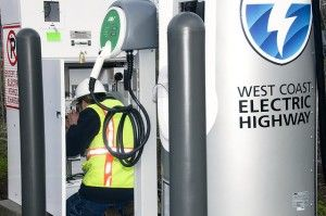 In an ambitious push to support electric vehicles as part of its goal for a greener future, the State of Oregon has unveiled the longest electrified stretch of highway in the United States. The new system of electric vehicle charging stations spans Oregon's southern I-5 corridor a total of 160