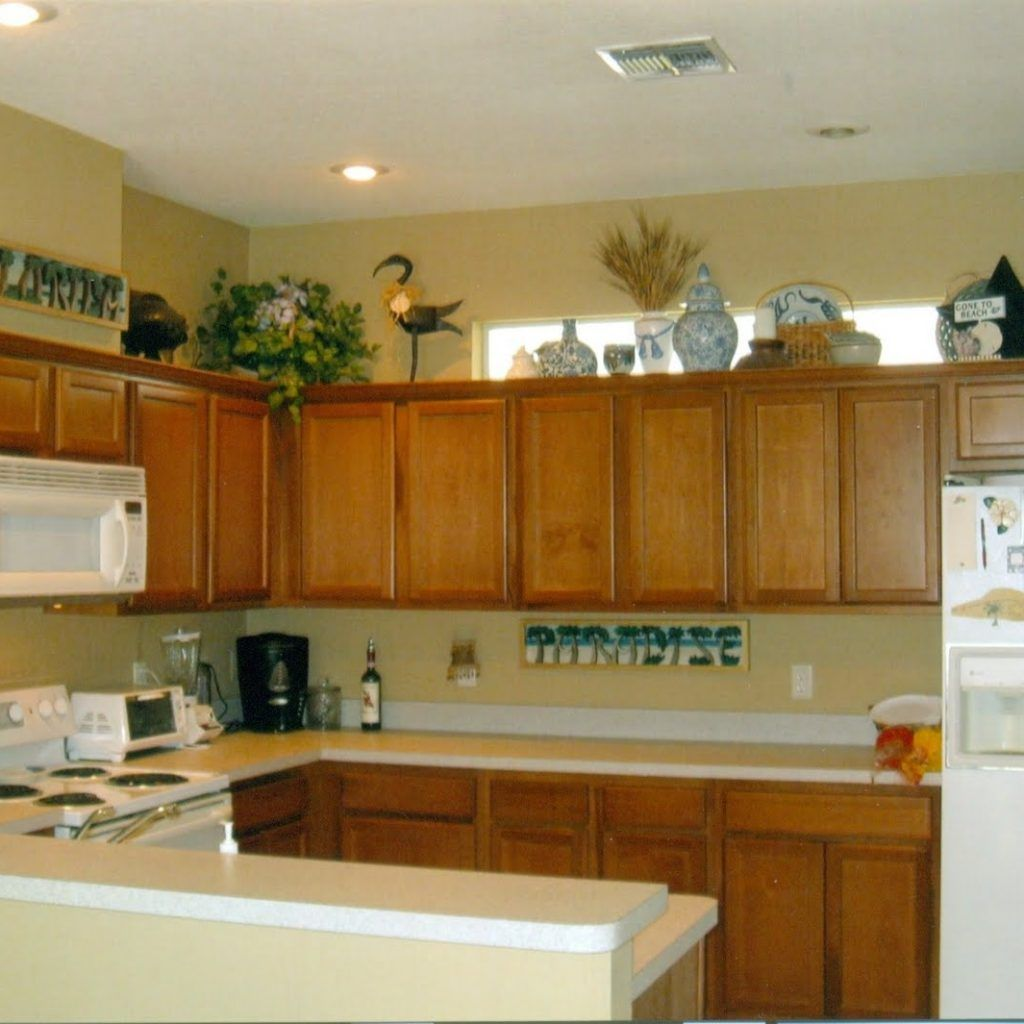 Simple Decor Above Kitchen Cabinets With images   Top ...