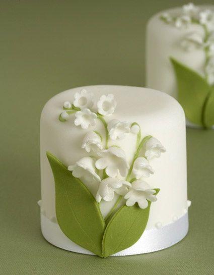 ~ Pretty little cakes by Peggy Porschen