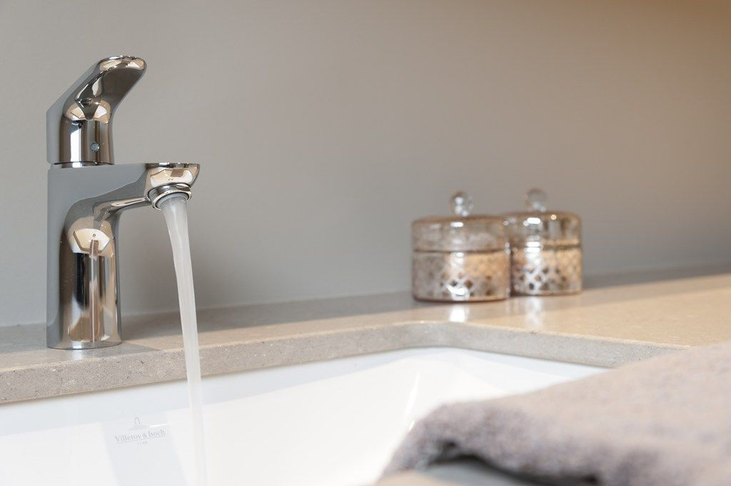 Strak Landelijke Badkamer : G klok timmerwerk montage badkamers