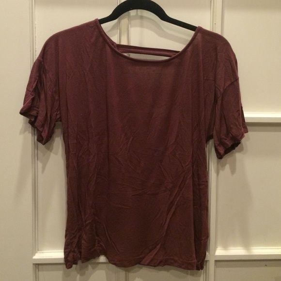 Brandy Melville Tshirt Maroon Brandy Melville t-shirt Brandy Melville Tops