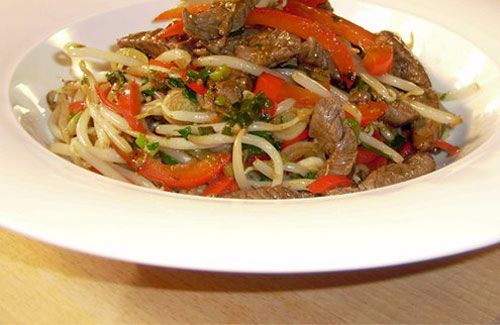 Stir fried beef with peppers and egg noodles - Gordon Ramsay