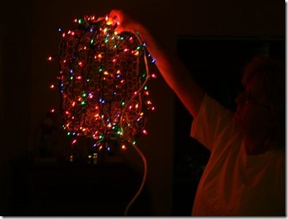 How to Make Chicken Wire Christmas Light Balls Ball