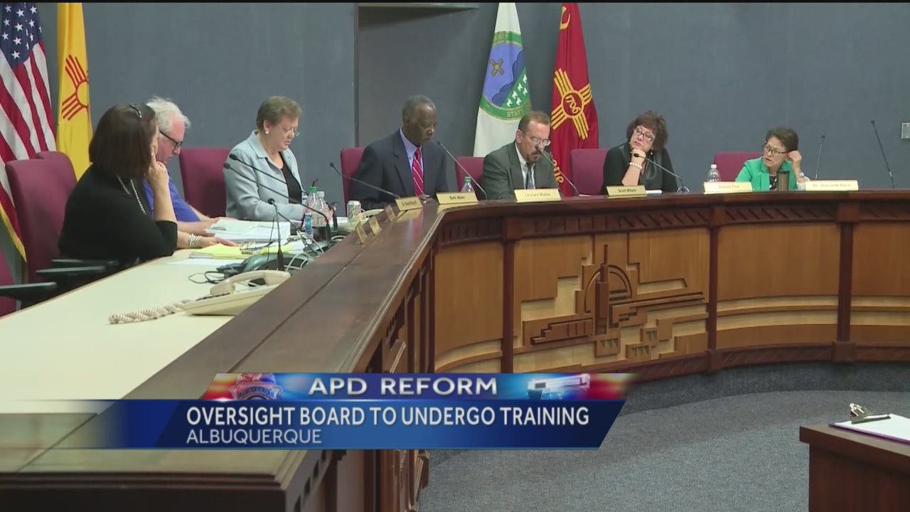A new watchdog group that's supposed to review complaints against the Albuquerque Police Department has to stop just after it got started.