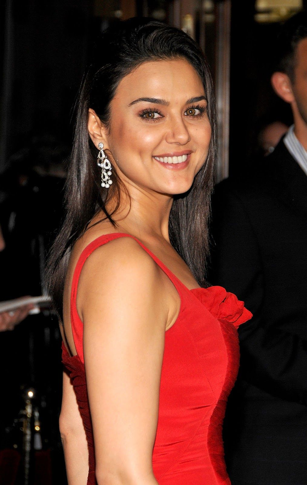 bollywood actress gorgeous dimple girl preity zinta full hd images