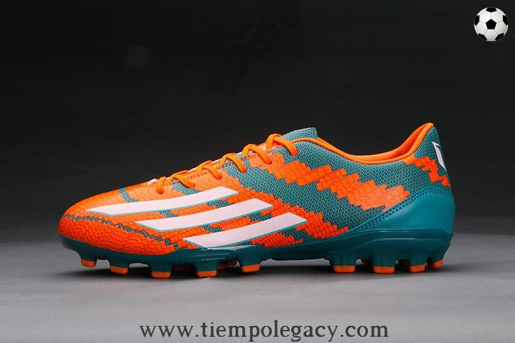uomo adidas football cleats