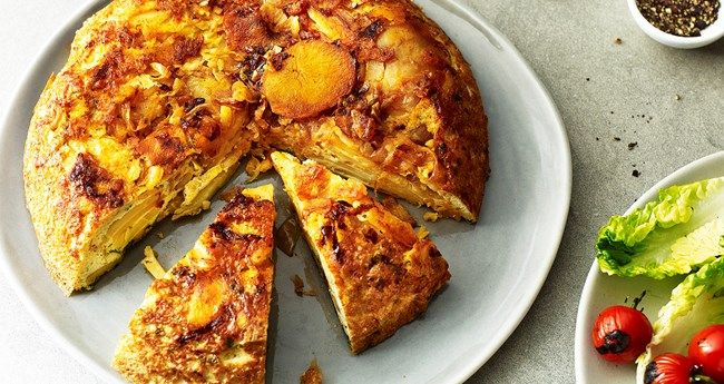 Looking for an easy Spanish tortilla recipe? Perfect for a healthy lunch to take into work or with a salad at dinner.